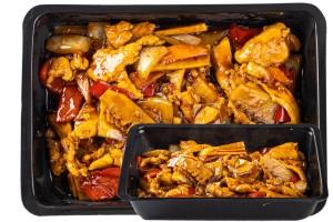 Szecsuáni csirke körettel (Sichuan Ji)  (14.)